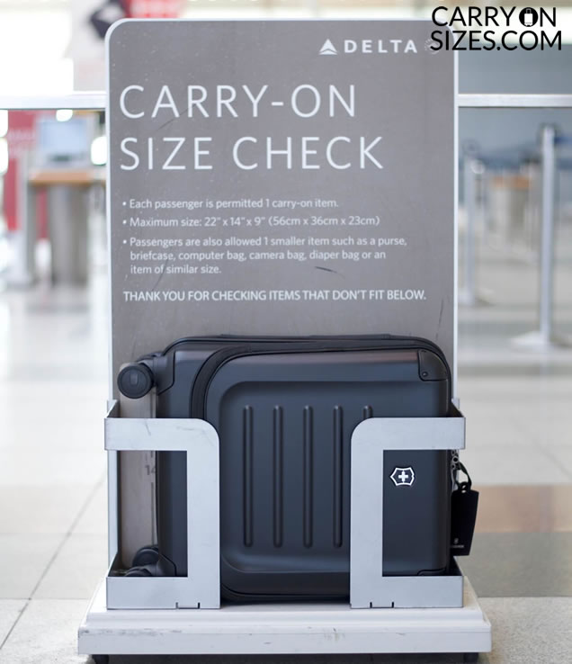 delta-airlines-luggage-checker